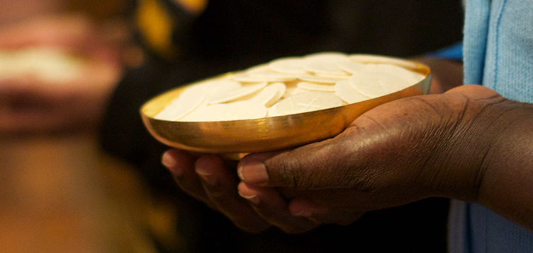 Jesus speaks in the silence of the mystery of the Eucharist